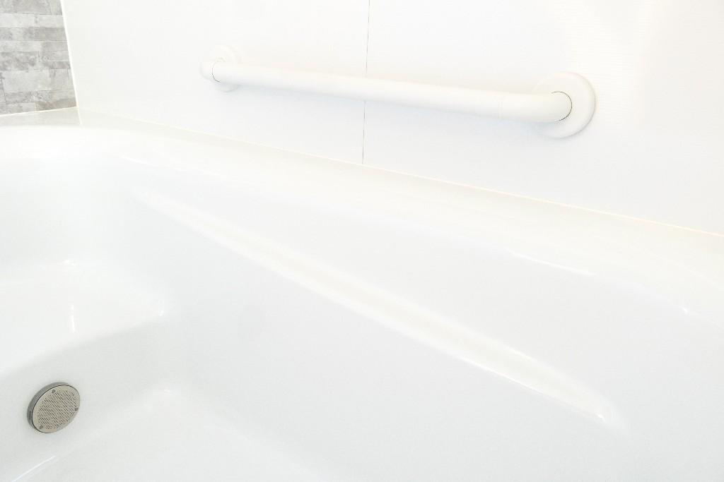 travaux aménagement de salle de bain pour personnes âgées à Paris 15e | Aux Bâtisseurs Parisiens