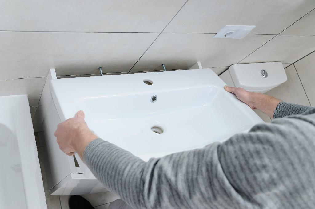 pose de vasque de salle de bain à Paris 15e | Aux Bâtisseurs Parisiens