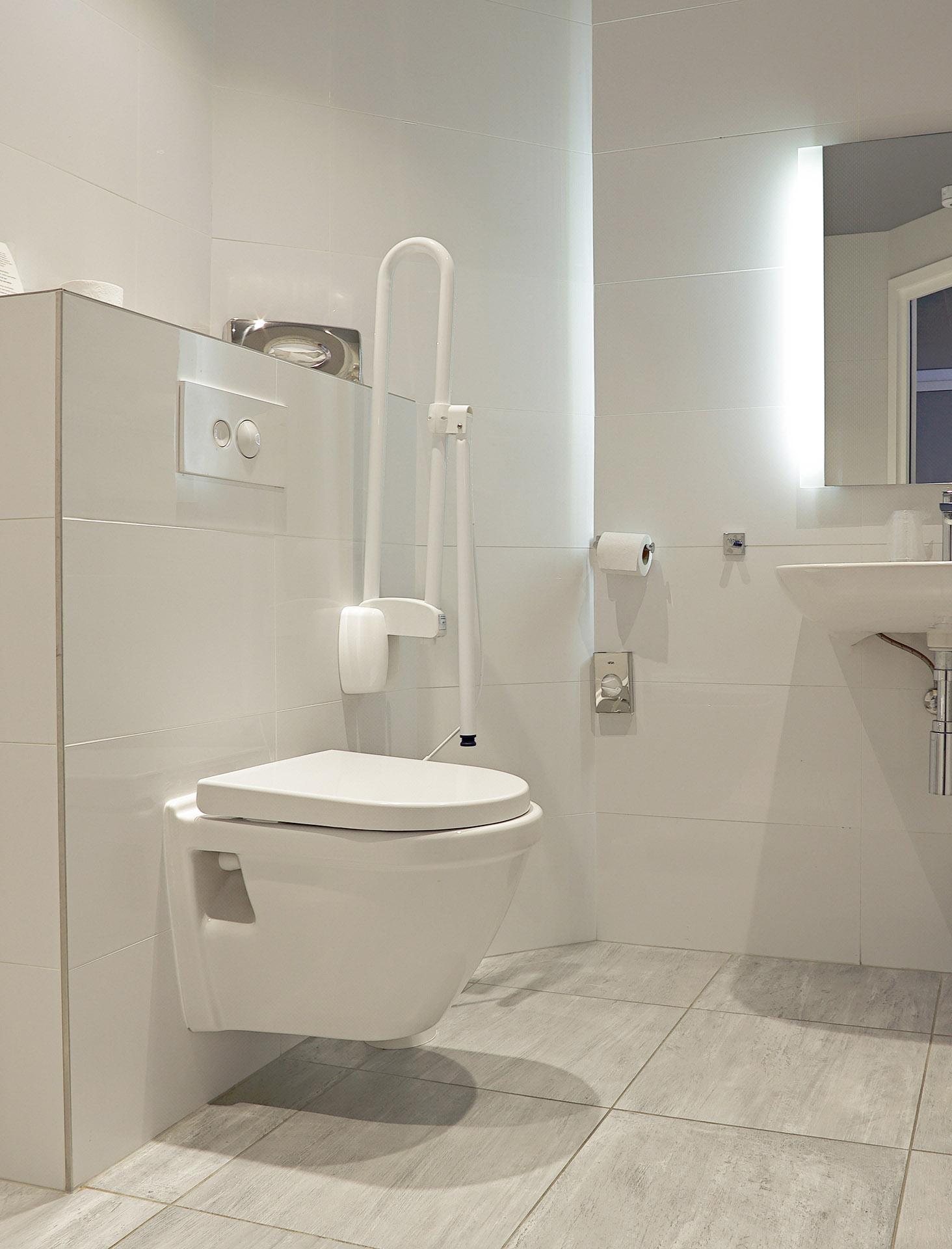 salle de bain PMR à Paris 15e | Aux Bâtisseurs Parisiens