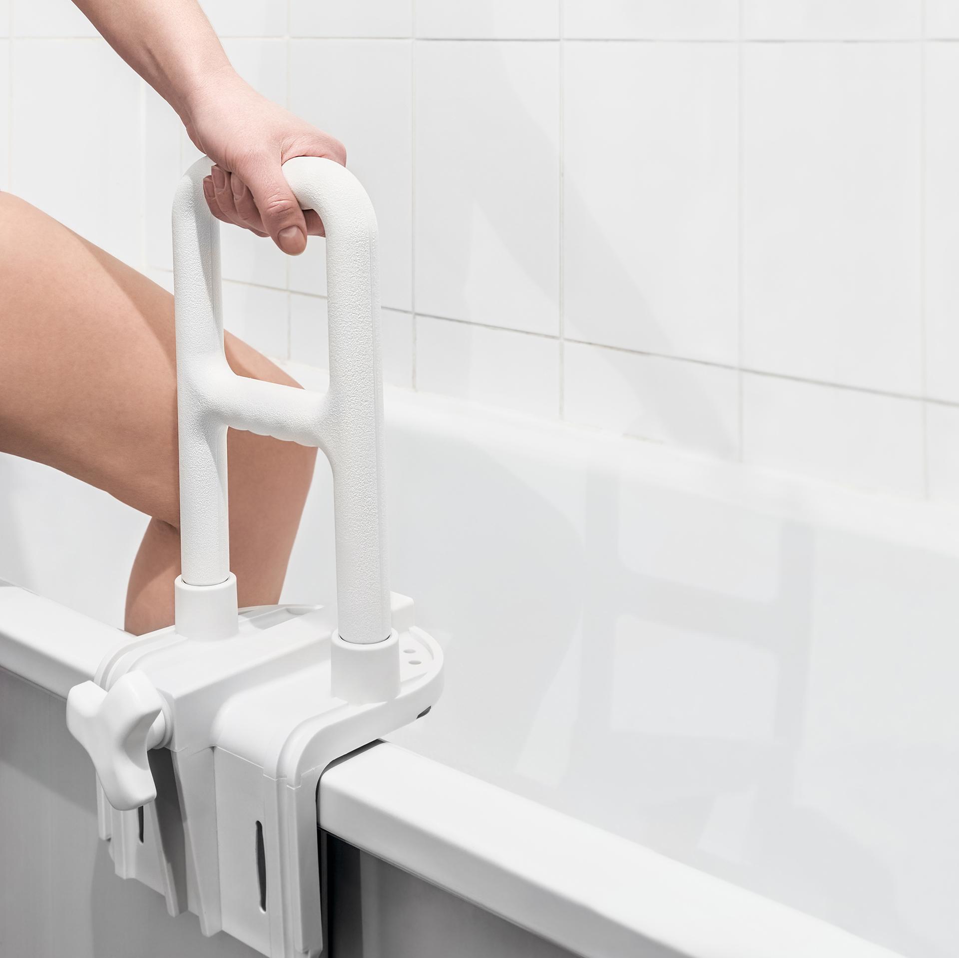 Aménagement de salle de bain PMR à Paris 15e | Aux Bâtisseurs Parisiens